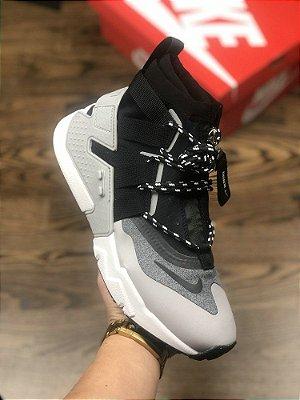 Nike Air Huarache Gripp Black Friday