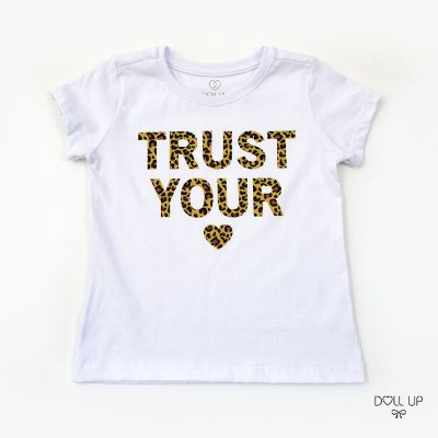 Camiseta Trust Your Heart Oncinha manga curta menina