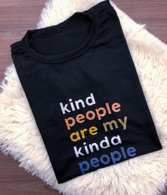 T-SHIRTS FEMININA TERMOCOLANTE PRETO KIND PEOPLES