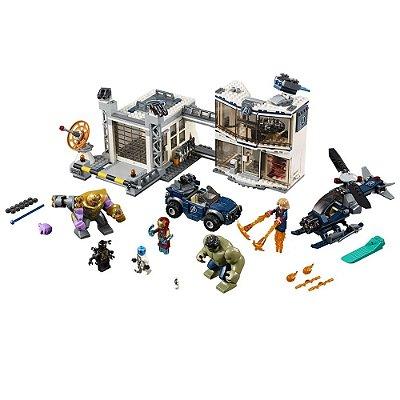 Lego Super Heroes - Base dos Vingadores