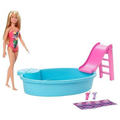 Barbie Piscina Chique com Boneca - Mattel