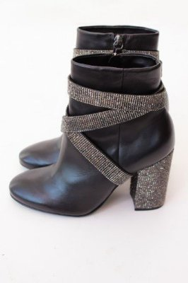 ANKLE BOOT BELT SHINE BLACK STZ