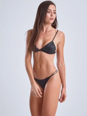 BIQUÍNI BODY CURVES LBM