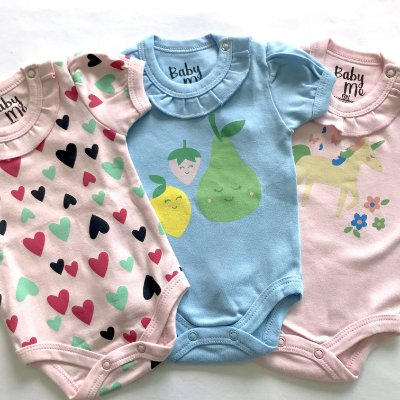 Kit de 3 Bodies Bebê Meninas - Frutas, Corações e Unicórnio e Calça Rosa