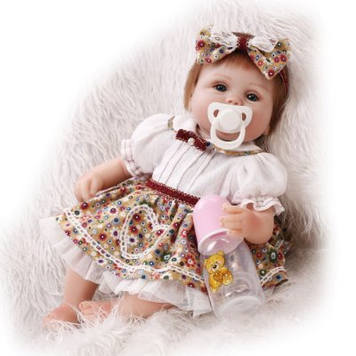 Bebê Reborn Micaela com Mantinha