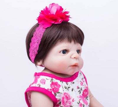 Bebê Reborn Valentina com Roupinha Florida 55cm
