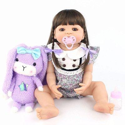 Bebê Reborn Marina com Cabelo Longo e Ursinho Roxo 55cm
