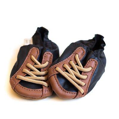 Sapatênis em couro preto com caramelo