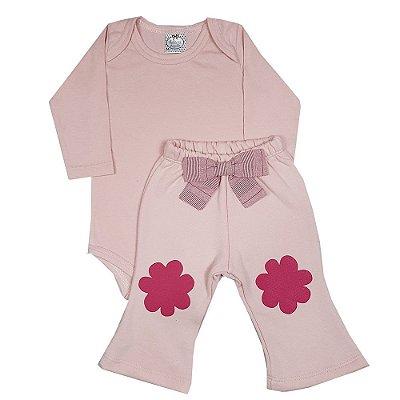 Conjunto Bebê Body Rosa + Calça Flare