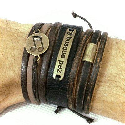 Kit de Pulseiras de couro masculinas com desconto. São 3 pulseiras super estilosas.