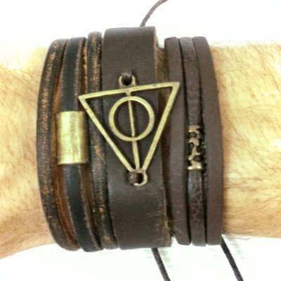 Kit de Pulseiras masculinas de couro triangulo do bem e do mal. Composto por 3 pulseiras com detalhes.