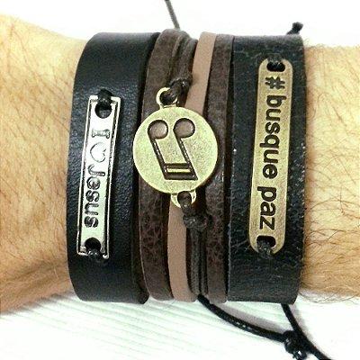 Kit de Pulseiras de couro busque paz, musica, masculina. Composto por 3 pulseiras com detalhes.
