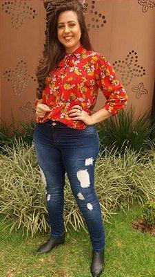 Camisa em estampa floral plus size