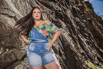 Jardineira shiort jeans plus size