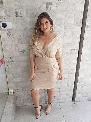 Vestido decote v plus size