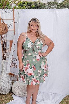 Vestido em estampa em flores plus size
