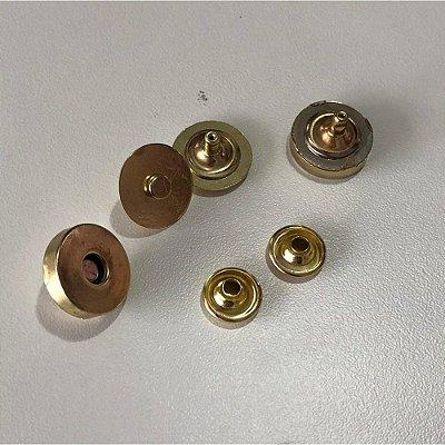 Botão de Imã c/ Rebite Duplo 18 Dourado (5 unidades)