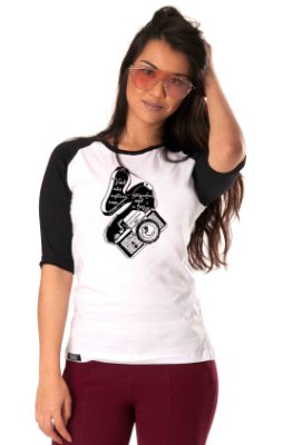 Camiseta Raglan Longline 3/4 - Feminina - Máquina fotográfica