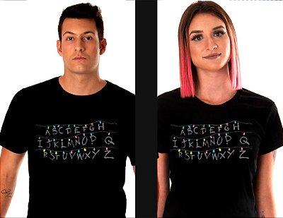 camiseta - lisa preta - feminina - Stranger Things - Alfabeto