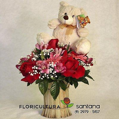 Arranjo de flores e Pelúcia