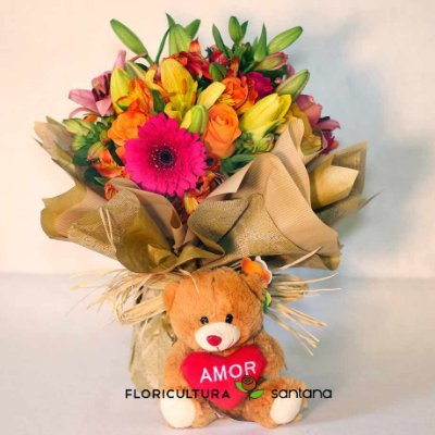 Arranjo de Flores com Urso