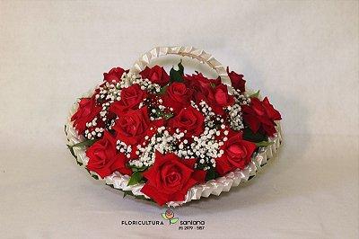 Cesta Coração com 12 rosas