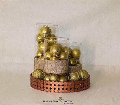 Kit 3 vasos de vidro com bolas douradas e bandeja
