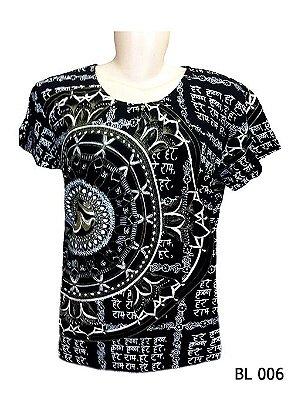 Camiseta Indiana Feminina Mantra Om Flor de Lótus Preta