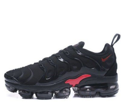 TÊNIS NIKE AIR VAPORMAX PLUS - BLACK E RED
