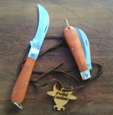 Canivete Tipo Foice - Cabo de Madeira