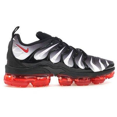 Tênis Nike Air VaporMax Plus Preto e Vermelho