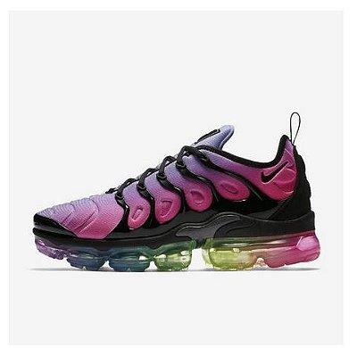 Tênis Nike Air VaporMax Plus Colorido