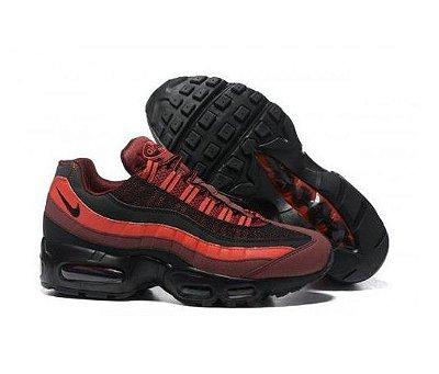 Tênis Nike Air Max 95 Preto e Vermelho