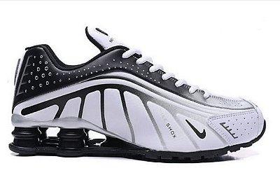 Tênis Nike Shox R4 Branco e Preto