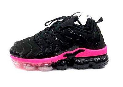 Tênis Nike Air VaporMax Plus Preto e Rosa