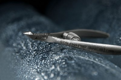 Alicate de Cutícula Staleks - Série Smart 30 - Lâmina 7mm - Com Mola - NS-30-7
