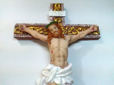 Crucifixo Resina 28 Cm Jesus Parede Cruz
