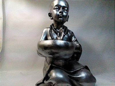 Monge Buda Criança Gesso Prateado Indiana 30 Cm
