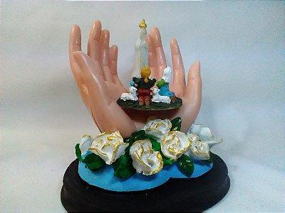 Mãos Nossa Senhora De Fátima Resina 19 Cm Santa
