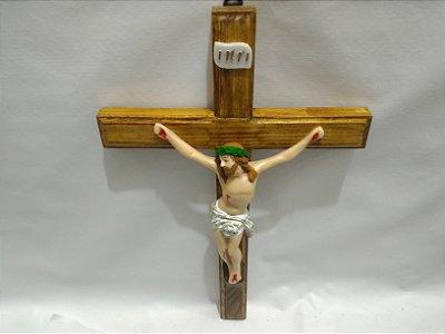 Crucifixo Madeira Jesus Resinado 38 Cm Jesus Parede Cruz