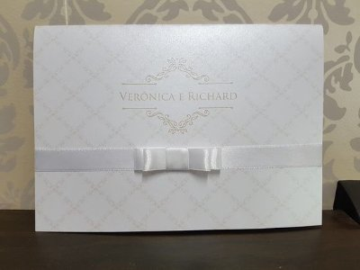 Convite de casamento clássico delicado