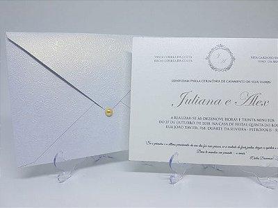 Convite classico branco perolado relevo