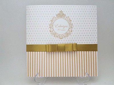 Convite de aniversario dourado perola