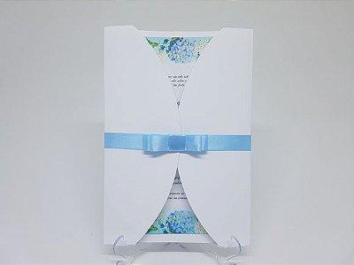 Convite floral envelope branco e azul