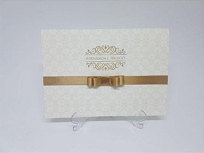 Convite de casamento dourado classico