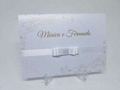Convite de casamento branco e dourado classico