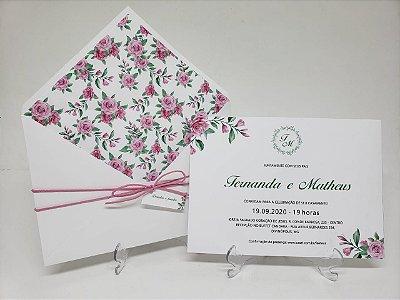 Convite casamento branco com flores rosa forrado