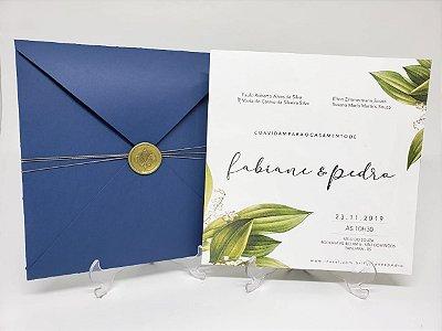 Convite para casamento azul com folhas e lacre