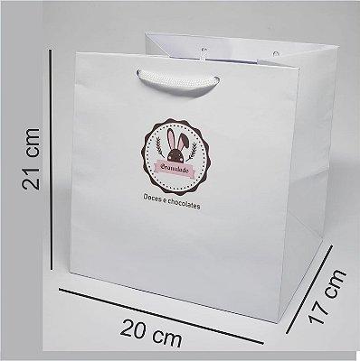 Sacola personalizada em papel tamanho M4 - Kit com 100