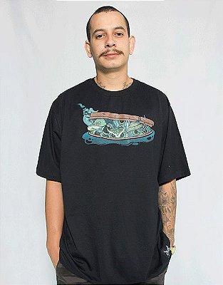 Camiseta Bueiro - Preto